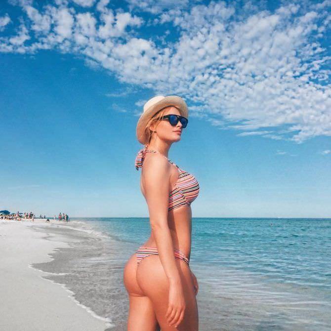 Татьяна Котова фото на пляже в бикини