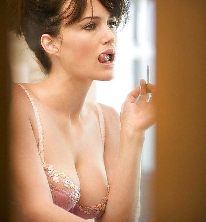 Carla Gugino Nude Photos