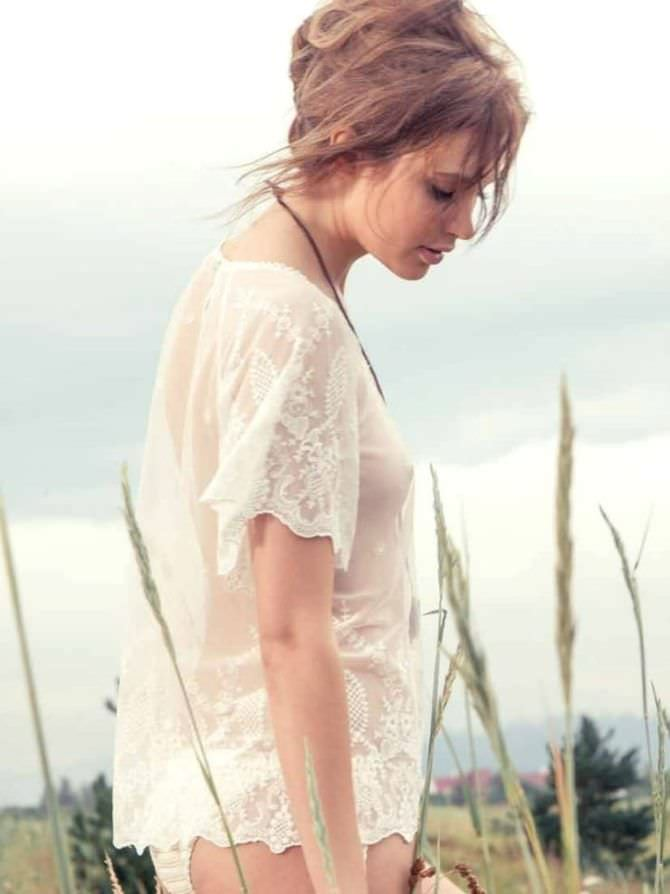 Алексия Фаст фотография в прозрачной блузке
