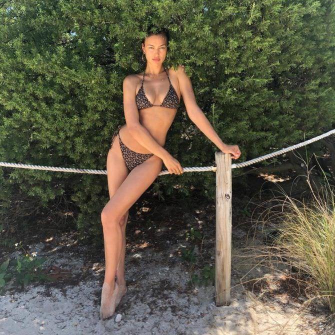 Ирина Шейк фото в бикини в инстаграм