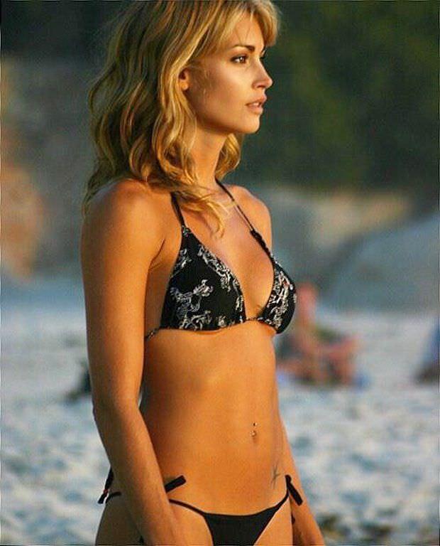 Танит Феникс фото на пляже в иснтаграм