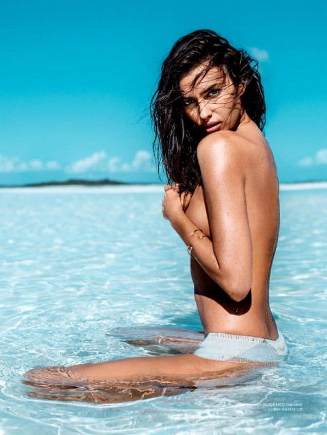 Ирина Шейк фотосессия на пляже для журнала