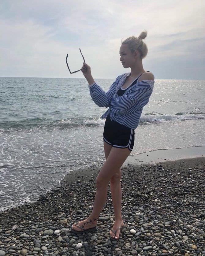 Диана Шурыгина фотография на пляже