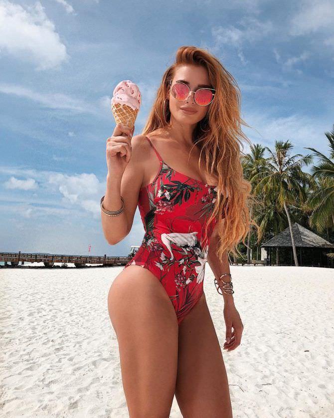 Татьяна Котова фото с мороженым