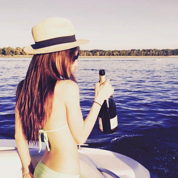 Анастасия Иванова фото в бикини