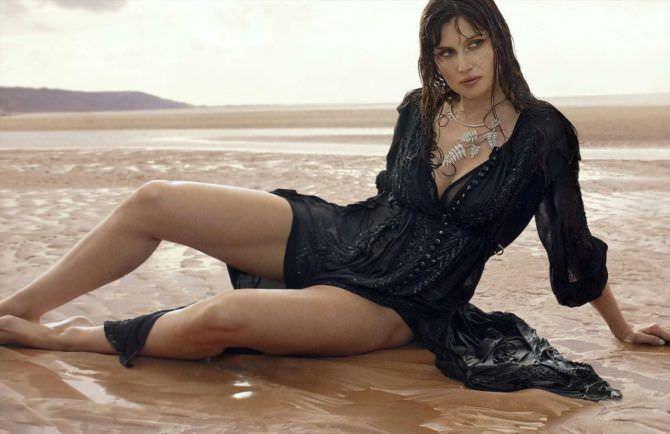Летиция Каста фотография в чёрном платье