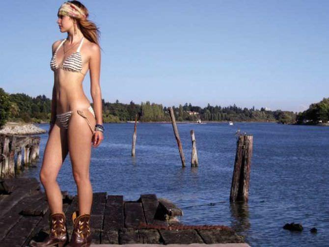 Алексия Фаст фото на берегу озера