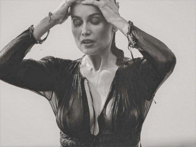 Летиция Каста фотография в прозрачной блузке