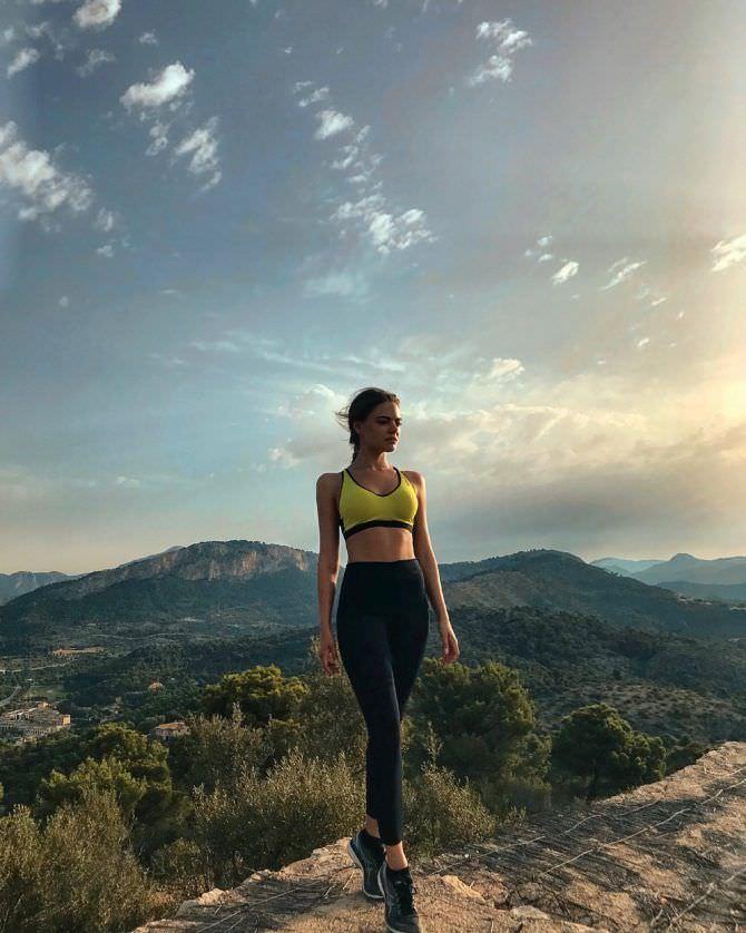 Маргарита Аброськина фотография на фоне гор