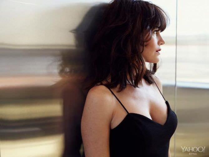 Карла Гуджино фотография в чёрном платье