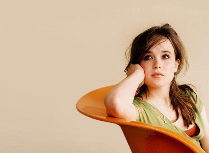 Эллен Пейдж фотография в кресле
