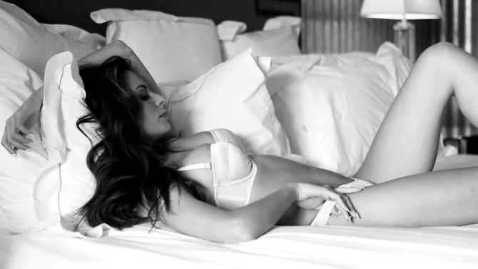 Дженезис Родригез фотография в журнале в нижнем белье