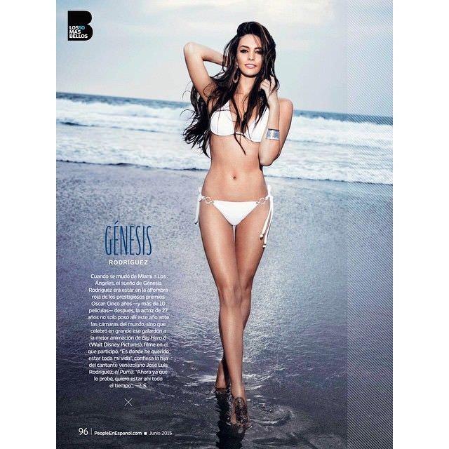 Дженезис Родригез фотография в купальнике из журнала