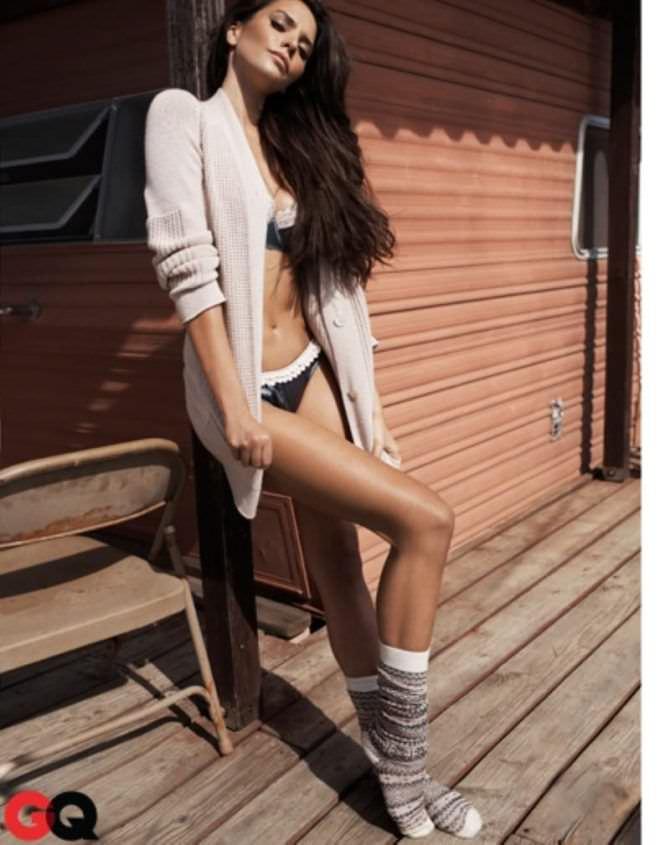 Дженезис Родригез фото в куплаьнике из журнала