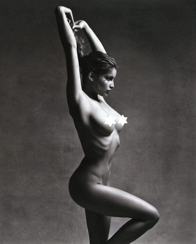 Летиция Каста откровенное фото без одежды