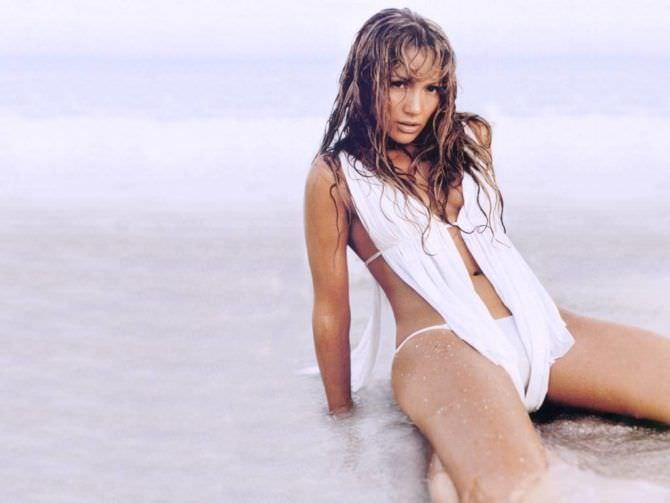 Дженнифер Лопес фото с мокрыми волосами