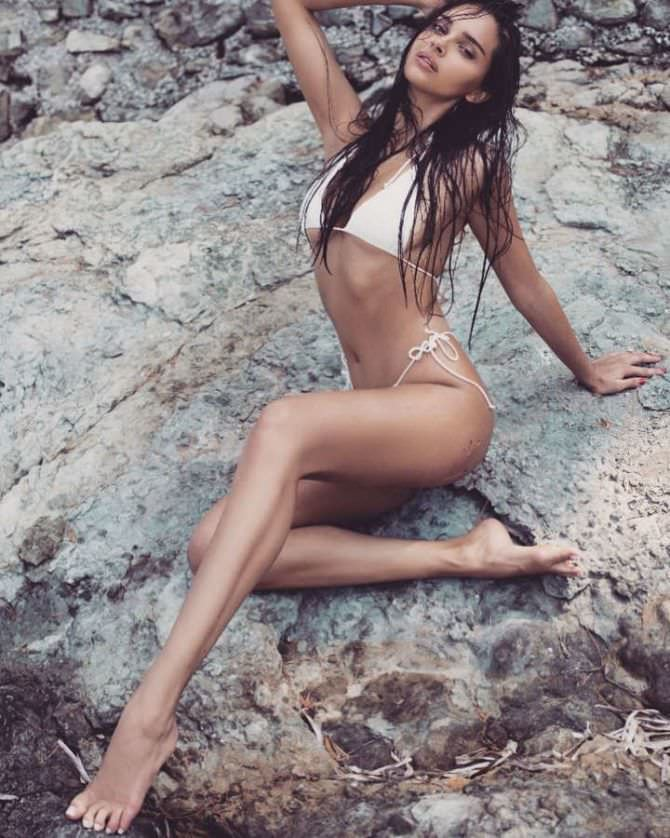 Каролина Севастьянова фото на скале