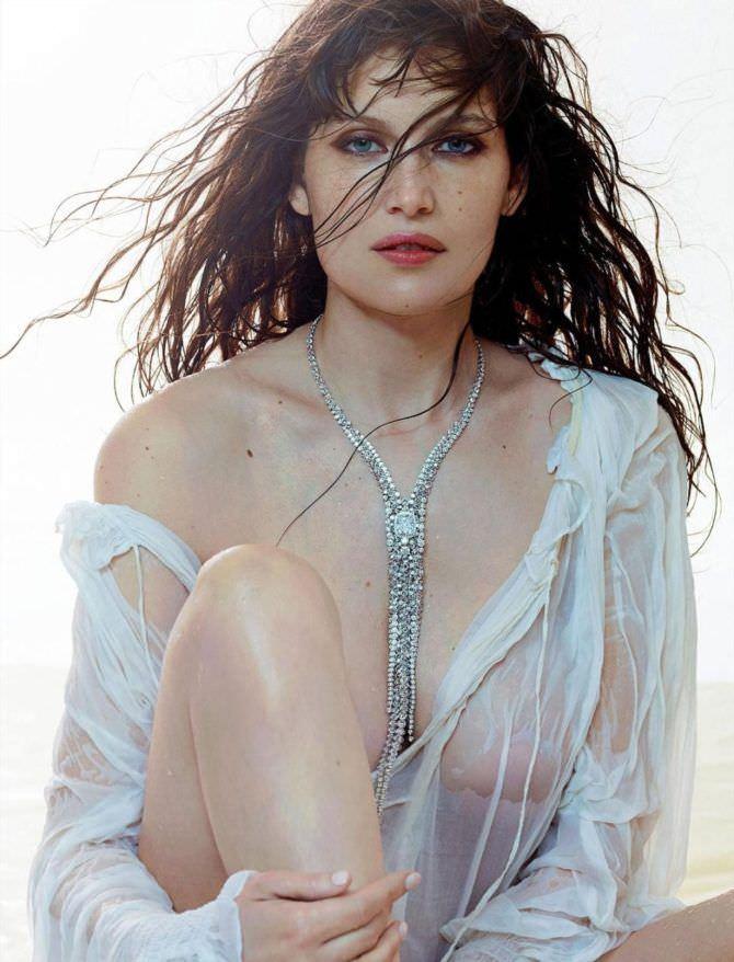 Летиция Каста фотография в мокрой блузке