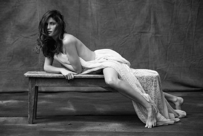 Летиция Каста фотография в ажурной юбке