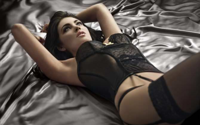 Танит Феникс фотография в красивом белье