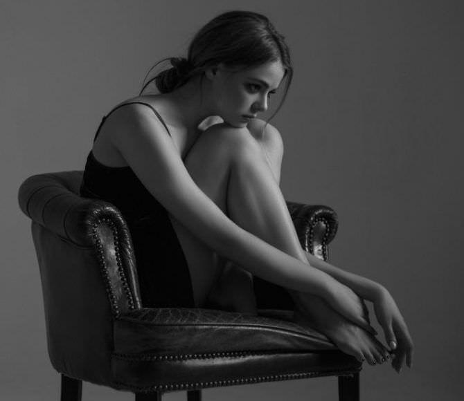 Маргарита Аброськина фото на кресле