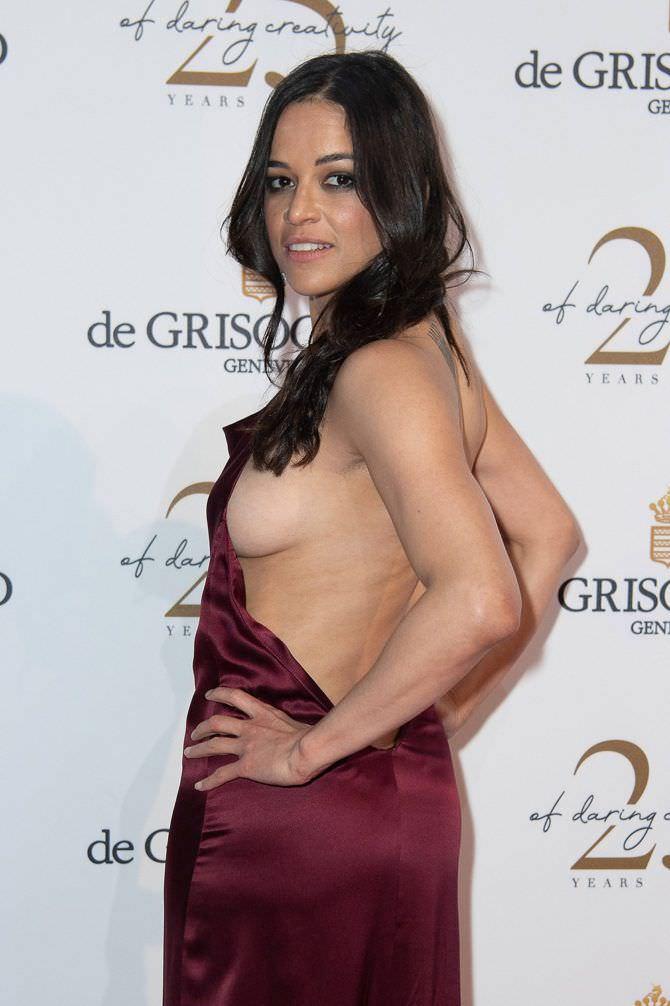 Мишель Родригес фото в откровенном платье