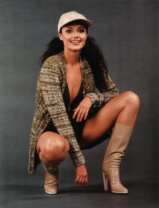 Оксана Фёдорова фотография в кепке и сапогах