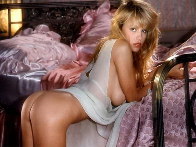 Памела Андерсон откровенное фото в молодости
