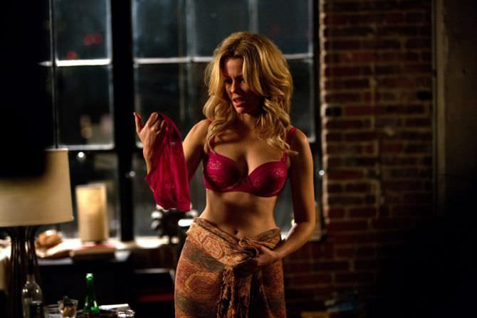 Элизабет Бэнкс кадр из фильма в нижнем белье