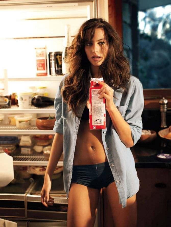 Дженезис Родригез фотография в белье у холодильника
