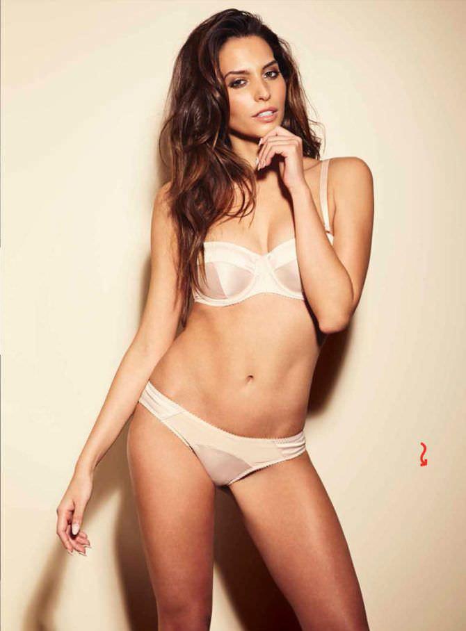 Дженезис Родригез фотография в белом белье