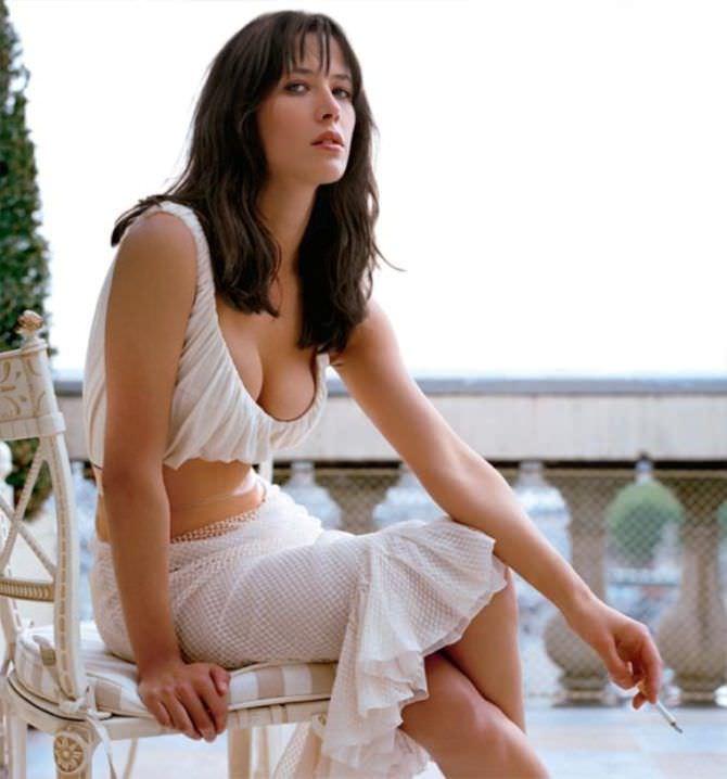 Софи Марсо фото в белом костюме