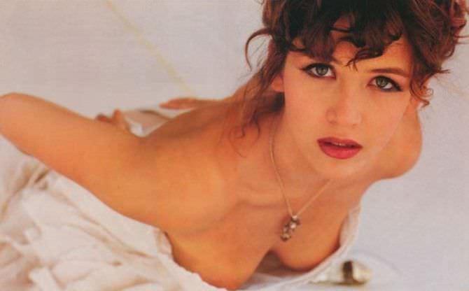 Софи Марсо фото в расстёгнутом платье