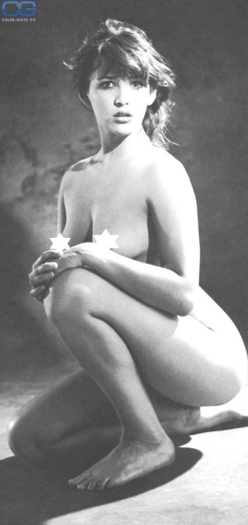 Софи Марсо фотография в молодости без одежды