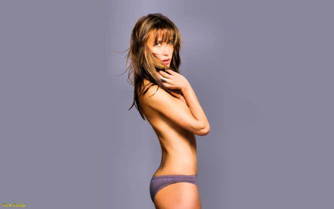 Софи Марсо фотография в серых плавках