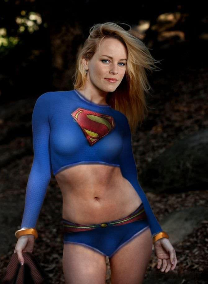 Элизабет Бэнкс фото в костюме супер-девушки