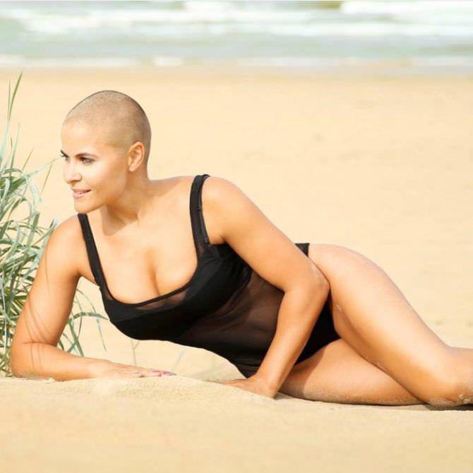 Марина Вовченко фотосессия на пляже в купальнике