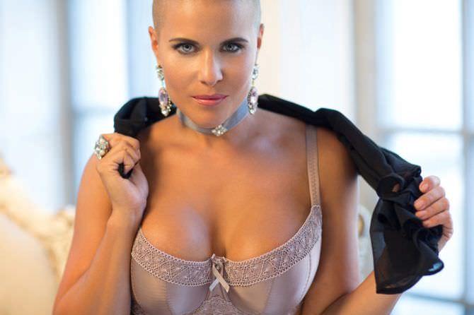 Марина Вовченко фото в красивом белье и украшениях