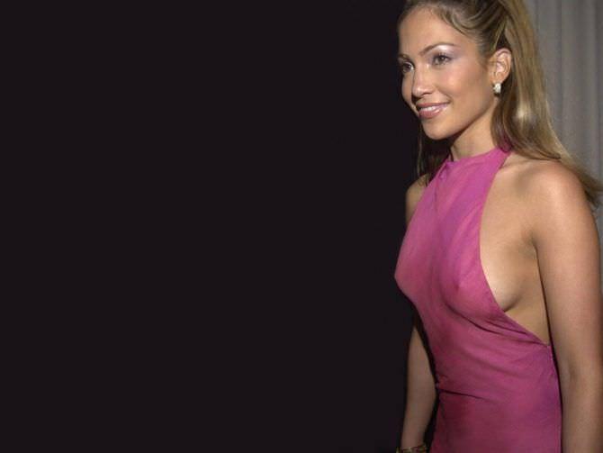 Дженнифер Лопес фото в розовом платье