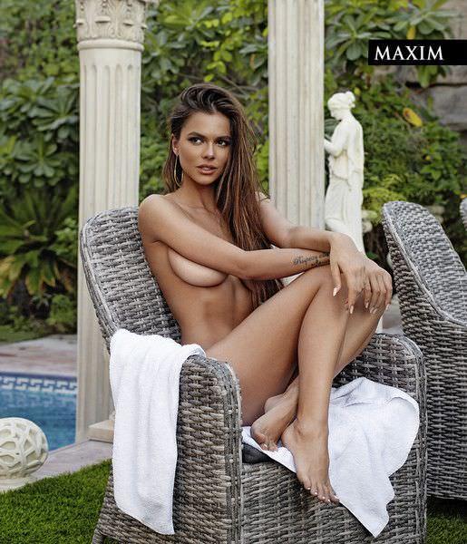 Виктория Одинцова на кресле