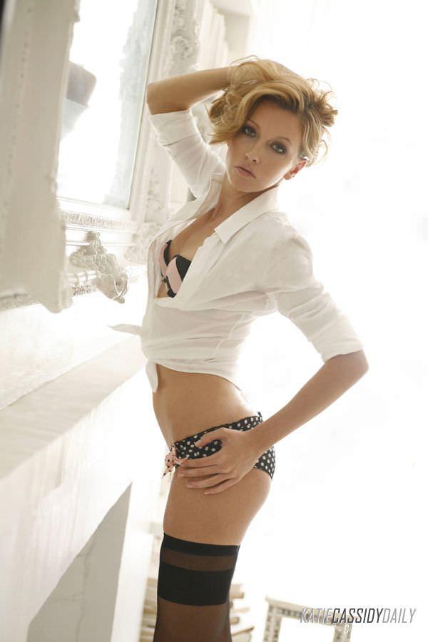 Кэтрин Кэссиди фото в трусиках в горошек