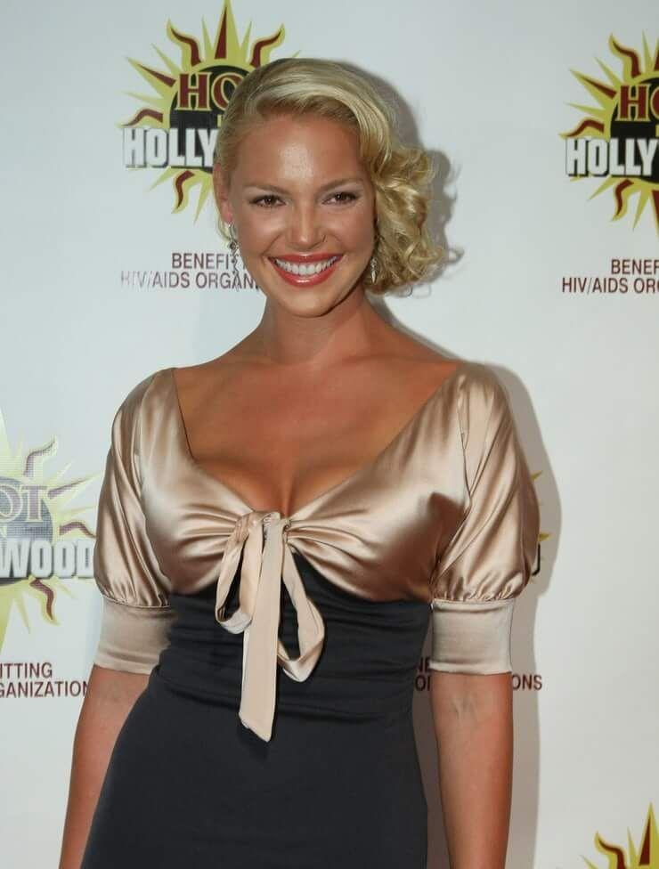 Кэтрин Хайгл фото в платье