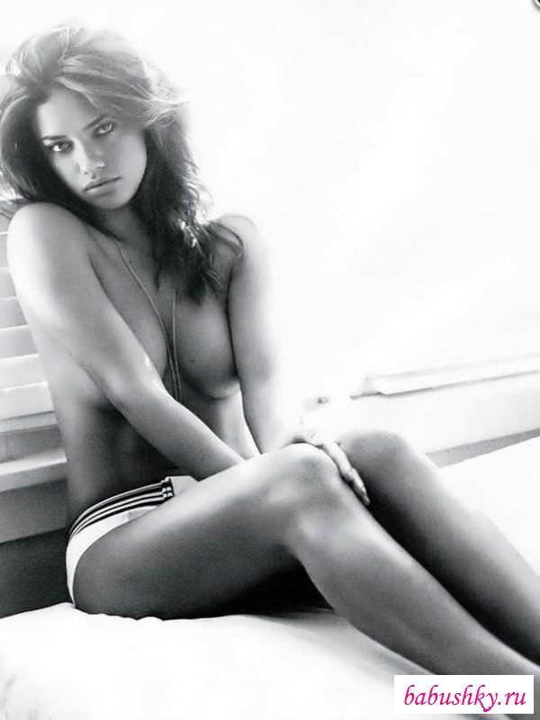 Андриана Лима фото на ковре