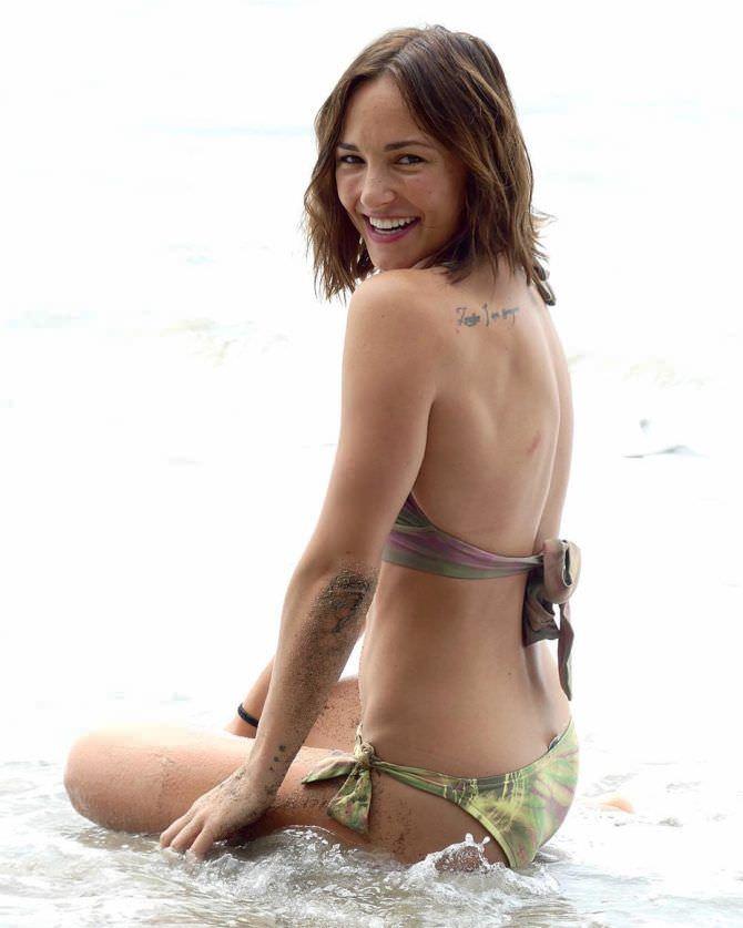 Бриана Эвиган фото в коричневом бикини