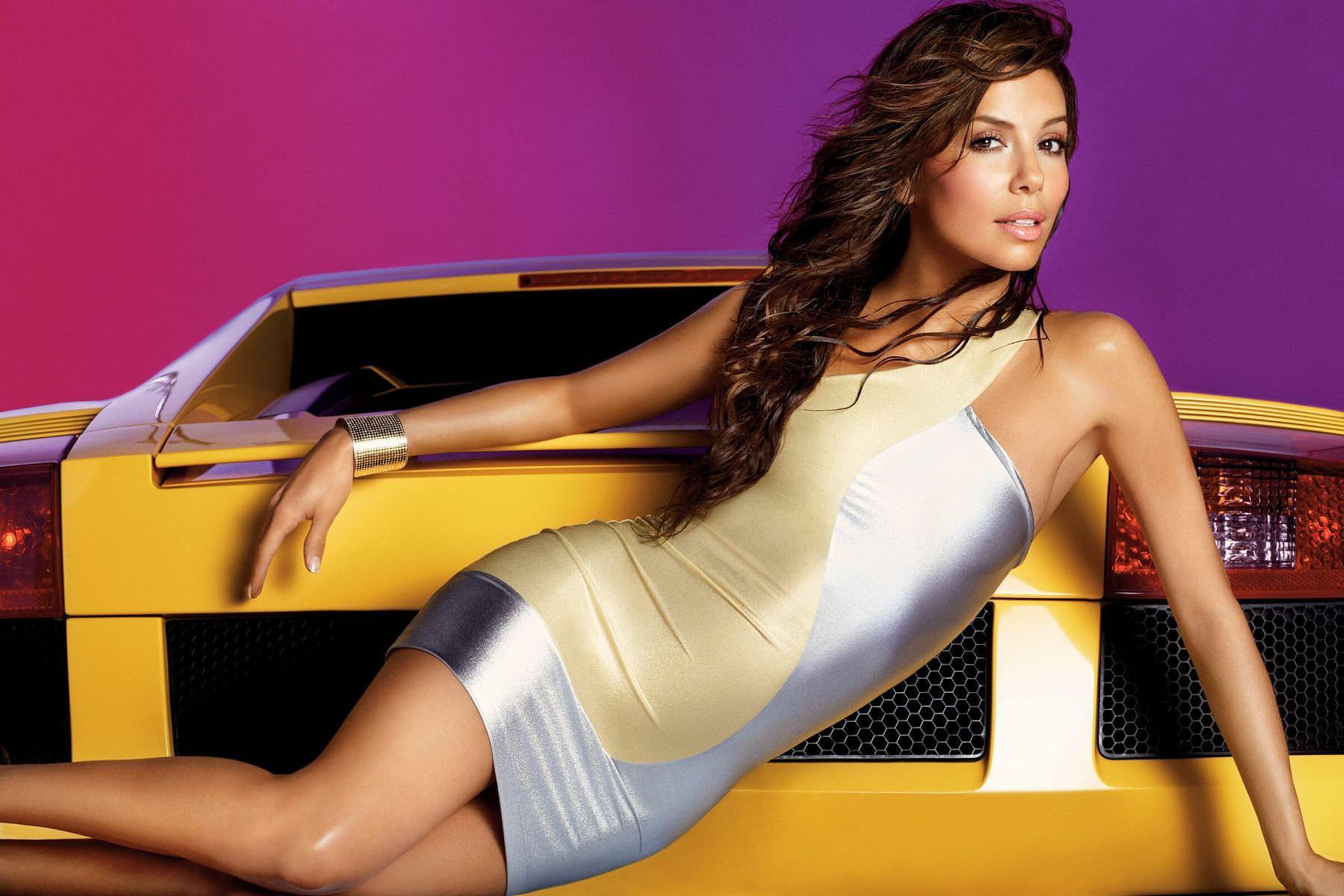 Ева Лонгория фото с машиной