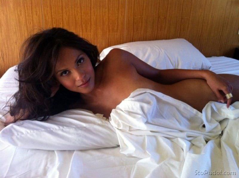 Лесли-Энн Брандт фото в постельном