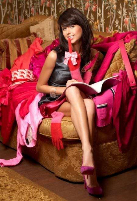 Мирослава Карпович фото на диване