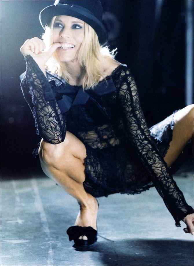 Мария Белло фото в прозрачном платье