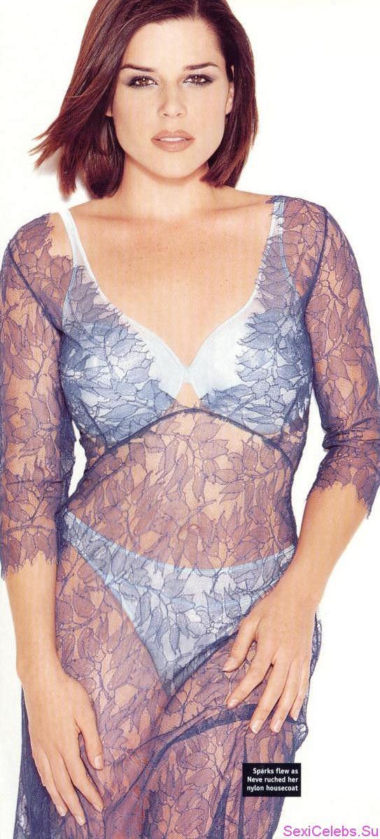 Нив Кэмпбелл фото в прозрачном платье