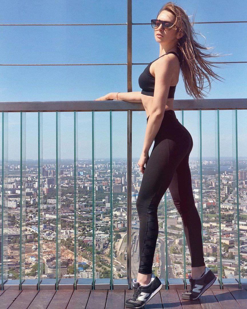 Анжелика Каширина фото на мосту